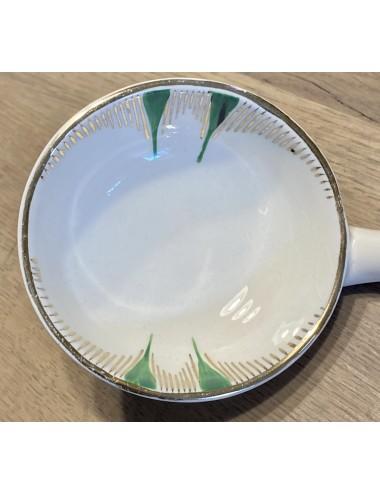 Diep bord / soepbord - Boch F'es (Boch Frères) - model VEDETTE - décor PIGALLE van roze rozen / roos