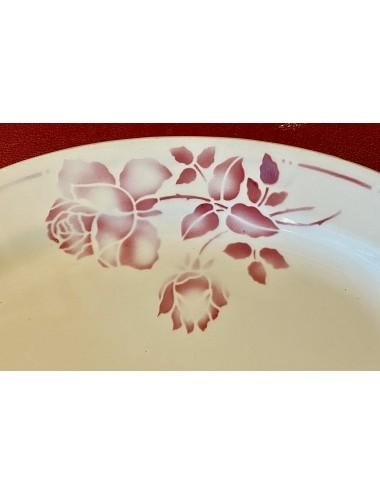 Kop - groot model - ongemerkt - koningsblauw met goudkleurige letters, bies en oor - opschrift naam MATHILDE FIVREMONT